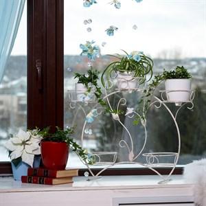 Подставки для цветов на окно за 900 руб.