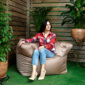 Бескаркасное мягкое кресло
