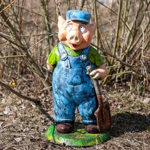 Фигура для сада Поросенок с лопатой