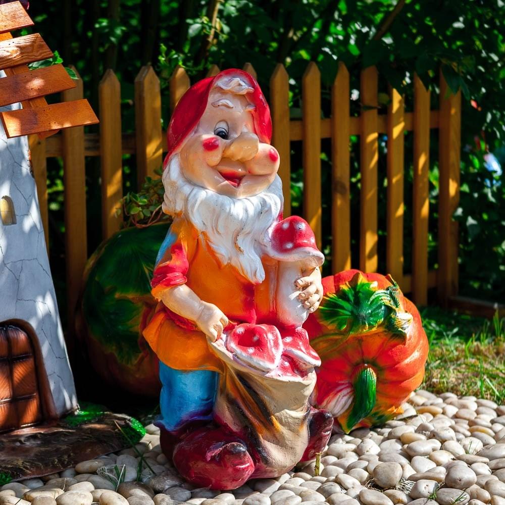 Садовая фигурка Гном с грибами