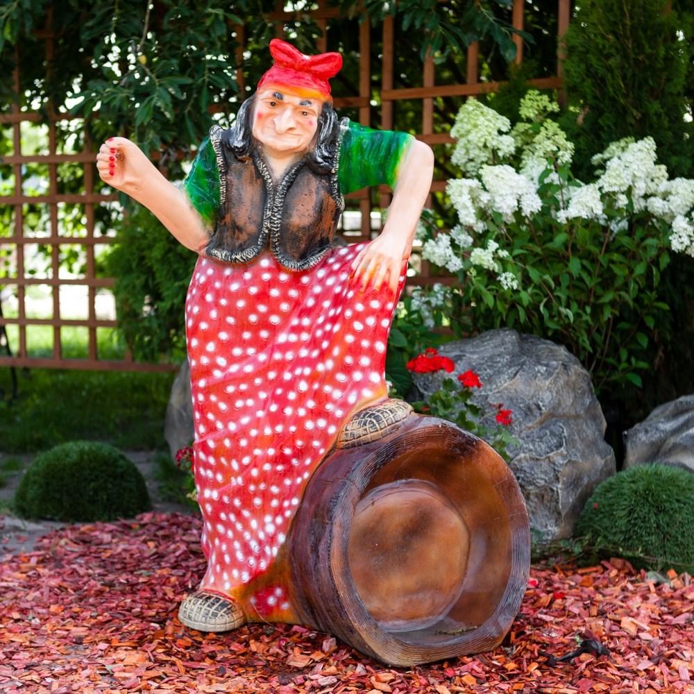 Большая садовая фигура Баба-Яга на ступе
