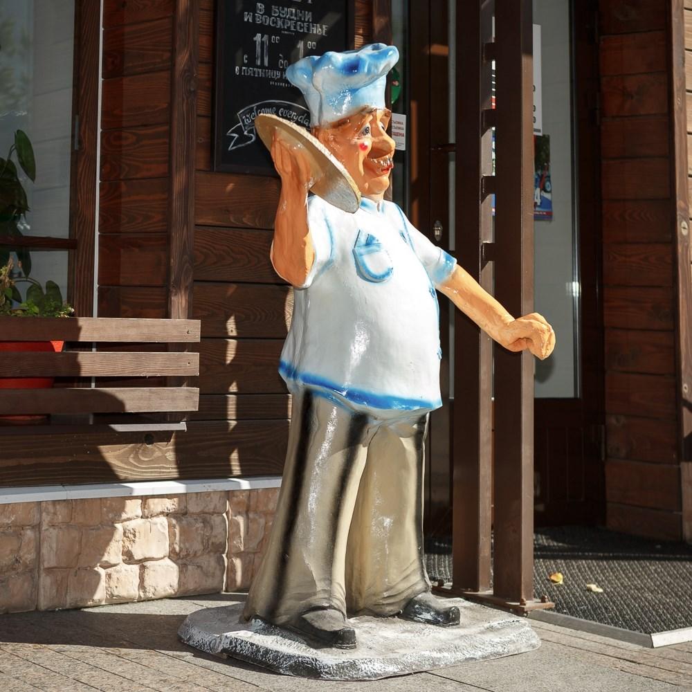 Рекламная фигура из пластика