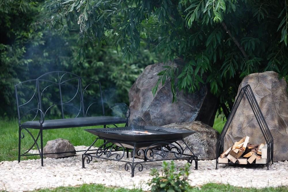 Садовый камин кованый