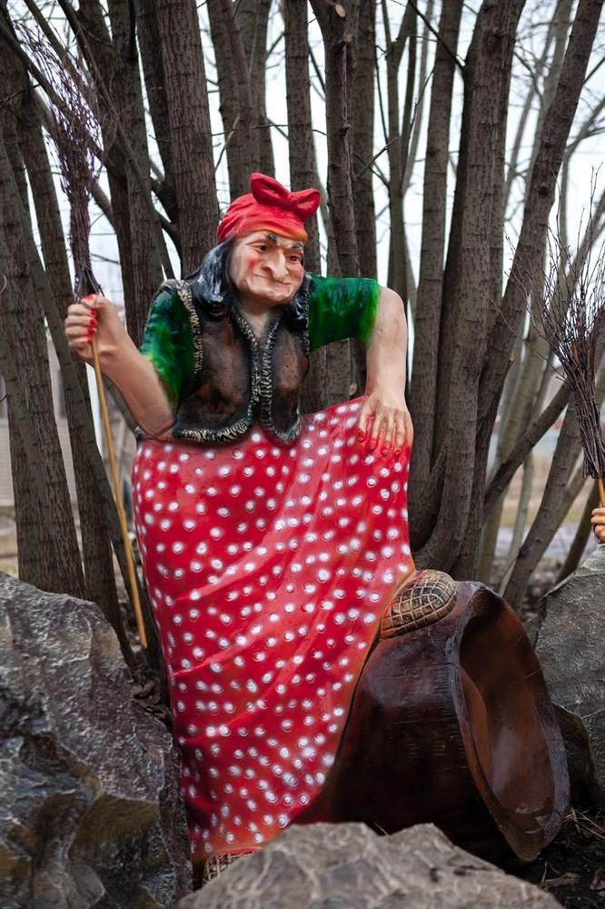 Баба Яга фигура для парка