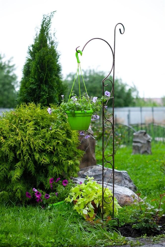 Кованая шпалера для сада