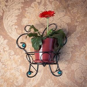 Кованая подставка на стену