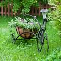 Кованый велосипед для сада